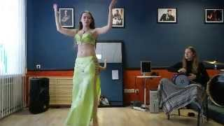 Belly dance by Azza - Live Darbuka solo improvisation