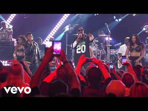 Snoop Dogg - Peaches N Cream (Live on the Honda Stage at the iHeartRadio Theater LA)