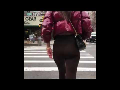Walked behind Emily Ratajkowski thumbnail