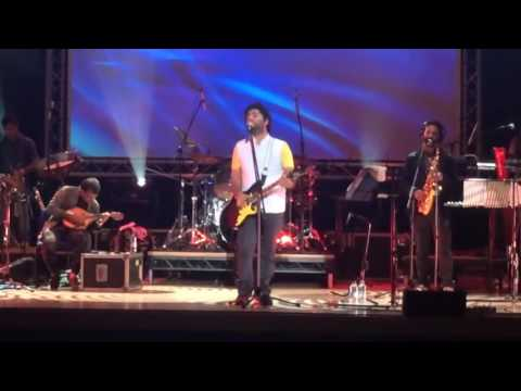 Arijit singh live-old song medley