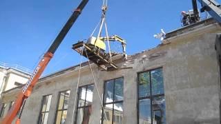 Brokk 180. Высотный демонтаж(В 2011 году у спортзала средней школы города Пушкин обрушилась крыша. Для выполнения работ по разборке осталь..., 2014-02-12T21:49:50.000Z)