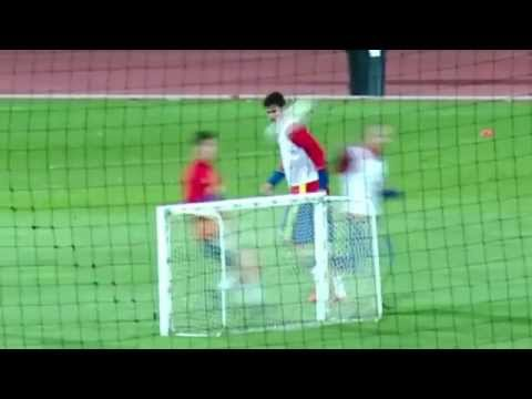 Iniesta incredible fail during Spain training session