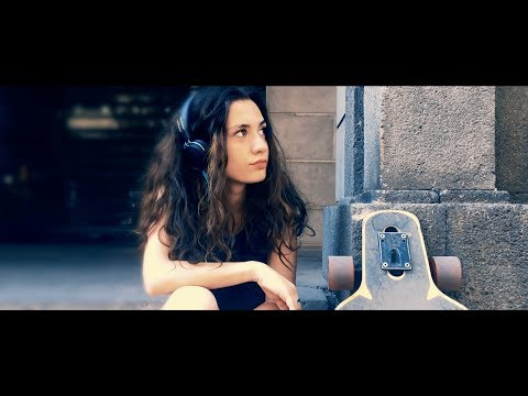 VO.X ft. Rebecca Jewel Rián - MOVING ON || 2017