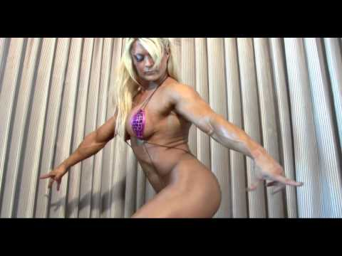 Lisa Cross big sexy and ripped Female Bodybuilder