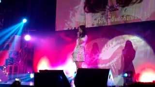 Video [Fancam] 130629 :Park Shin Hye : Kiss of Angel in Thailand - อาการรัก download MP3, 3GP, MP4, WEBM, AVI, FLV Juni 2018