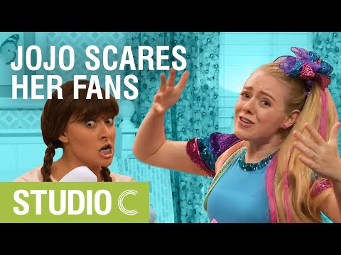 JoJo Siwa Scary Game - Studio C