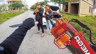 Nerf  War Games Police Woman Nerf Guns Bandits TANK BATTLE Olympics (Fortnite Battle) Nerf in Love