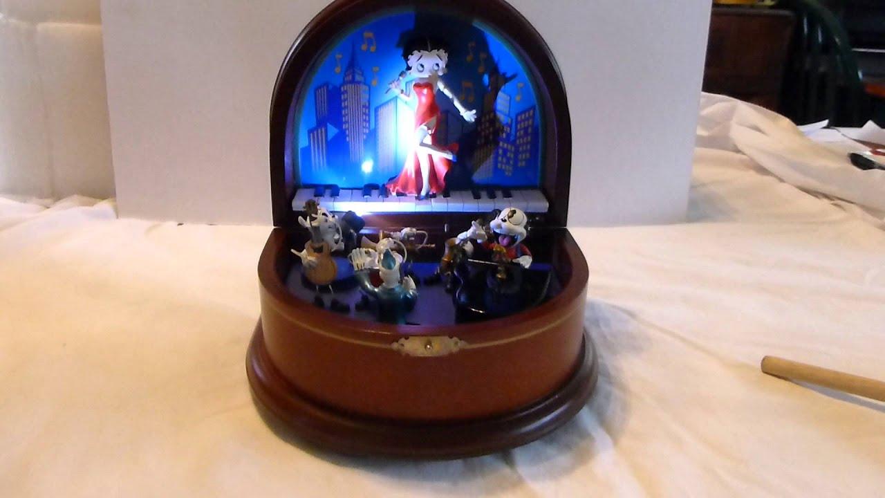 Betty Boop Music Box You