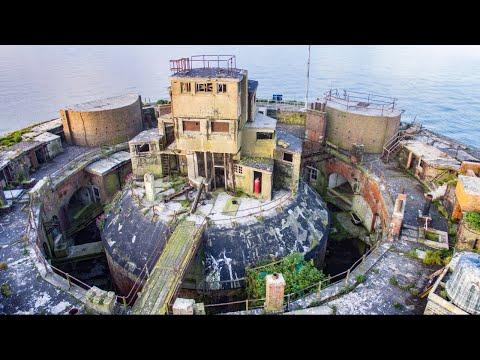 Exploring Inside Huge Abandoned Sea Fort - (Horse Sand Solent Palmerston Fort)