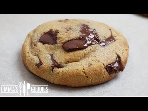 GOOEY Chocolate Chip Cookies | Bakery Style |COOKIE DOUGH CENTER & Crispy Outside!