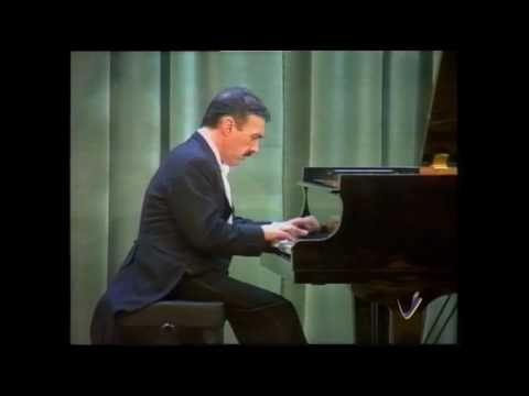 Málaga, Albéniz. Rafael Orozco, piano.