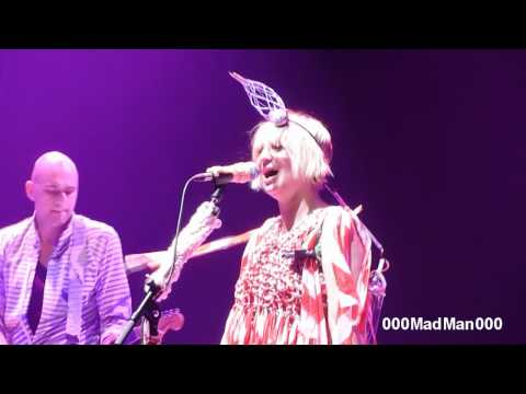 Sia - The Fight - HD Live at Olympia, Paris (18 May 2010)
