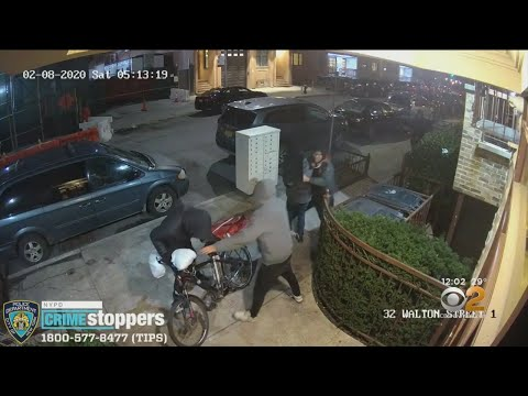 Pizza Deliveryman Stabbed, Robbed On Brooklyn Street