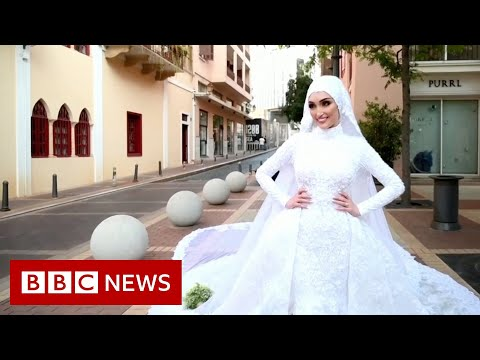Beirut: The bride being photographed in wedding dress as blast hit – BBC News