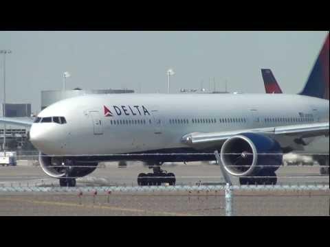 Delta Airlines Boeing 777-232LR Takeoff | N707DN | Minneapolis Saint Paul International
