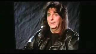 Alice Cooper Bites Head Off Chicken...not!!!!!!....... Michael Hansen