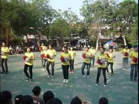 nhảy cổ động-lớp 12a4 trường Trung Phú [bài Mickey]