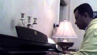 عشت معاك حكايات .. تامر عاشور .. على بيانو طارق بغدادى