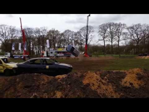 Stunt Chuck Borden tijdens de Autorodeo Lemele 20131