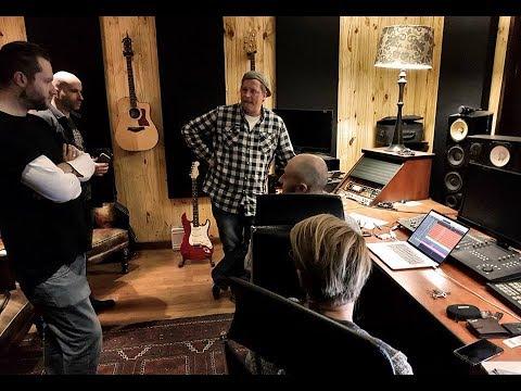 "Etienne Steyn Studio sessions. ""Beautiful tonight"""