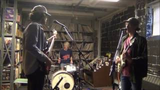 Скачать Remo Drive Yer Killin Me Live From Garth S Living Room