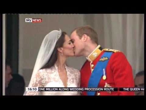 Royal Wedding Kate and William second kiss