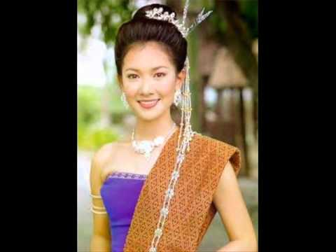 ชุดไทยสวยๆ Chudthai Thai traditional dresses ASEAN Song Let Us Move Ahead