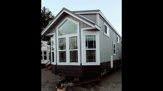 Beautiful Tiny House Built for a King!