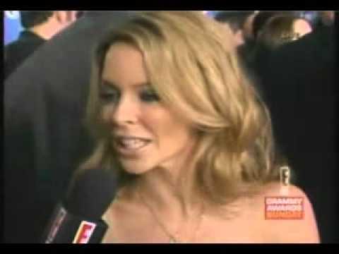 Kylie Minogue - Red Carpet Grammy Awards 2003