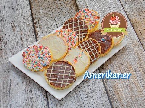 amerikaner---black-&-white-cookies---miss-marta