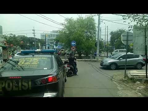 Ambulance di kawal Polisi Sabara Dan Anggota TNI