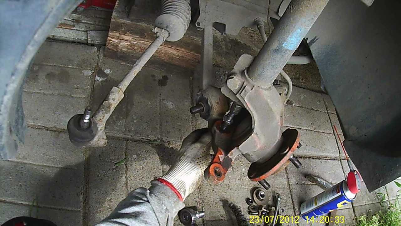 Замена рычага передней подвески (вылетела шаровая) Фольксваген Б  5