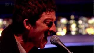 Noel Gallagher's High Flying Birds - AKA... What A Life! (Live, 2011-10-21 - Jonathan Ross) [HD]