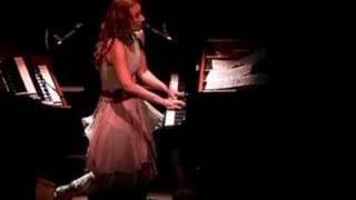 Tori Amos - Hartford-04-10-05 =1= Original Sinsuality