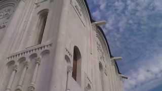 Покрова на Нерли. Видеопрогулка с мобильным.(Церковь Покрова на Нерли называют шедевром мирового зодчества, вершиной творчества владимирских мастеров..., 2014-10-29T08:02:19.000Z)
