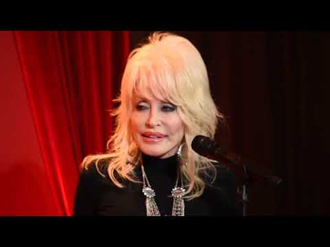 """Dolly Parton and Linda Perry perform """"Girl in the Movies"""""""
