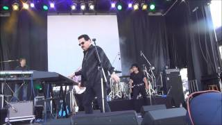 Watch Bobby Kimball Hold The Line video