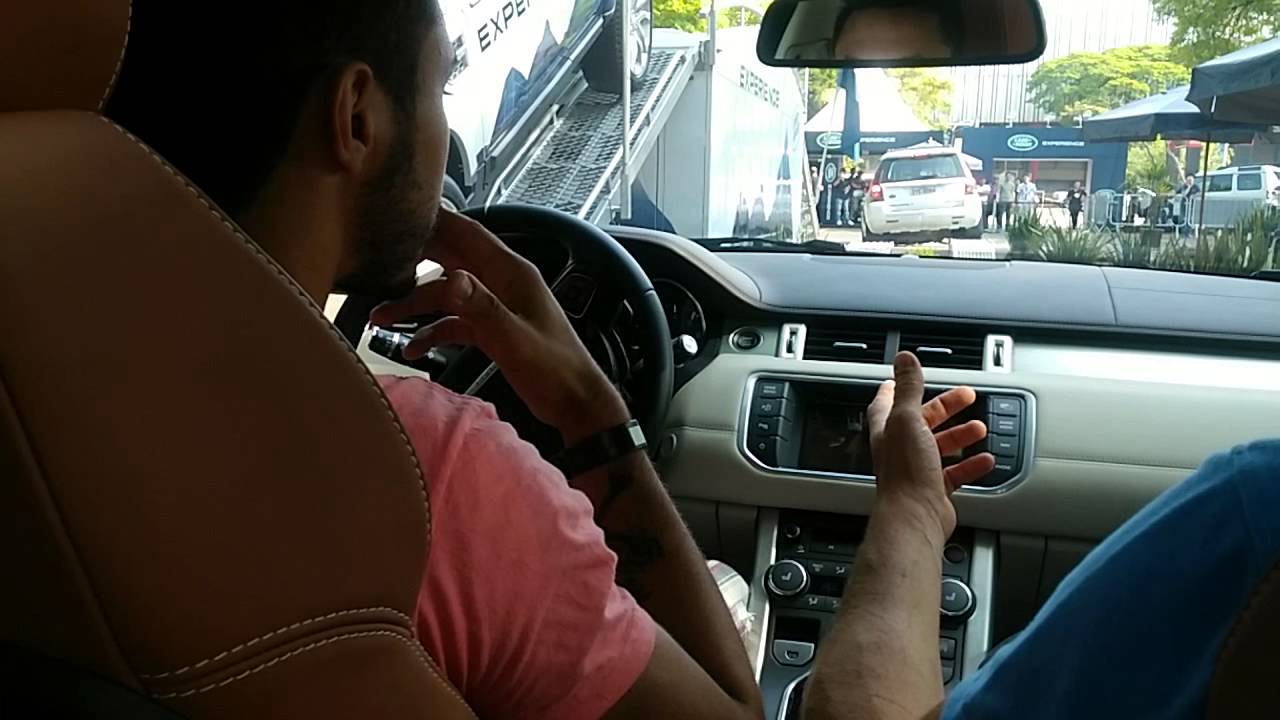 Leandro dirigindo Range Rover Evoque! - YouTube
