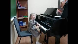 Слушание музыки. Первый год трёхлетнего курса.