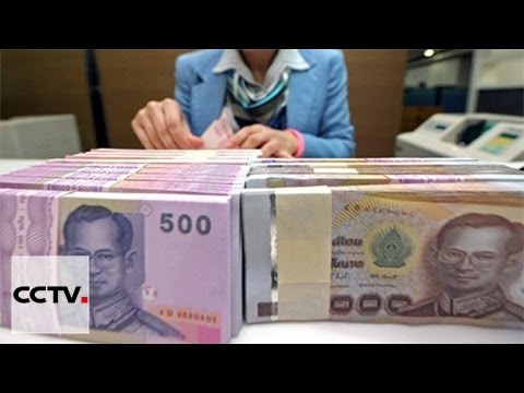 Thai government gives out cash to boost economy