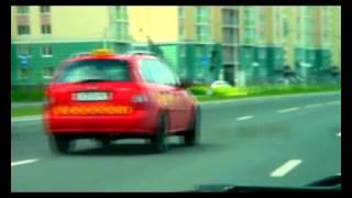 Обнаглевший таксист гонщик едет 230 км в час
