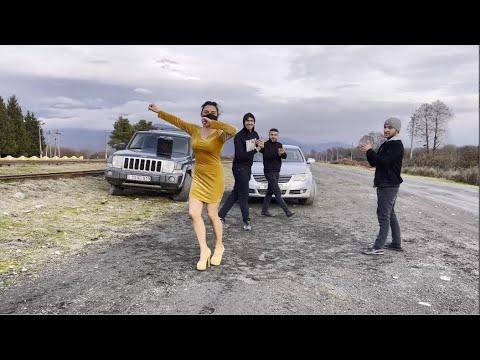 Cупер Лезгинка 2021 Амина Магомедова Шуточная Девушка Танцует Круто С Парнями ALISHKA Lezginka