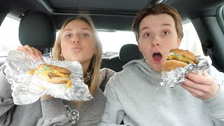 Five Guys car mukbang met Milan ❤️ Fleur Nijbacker