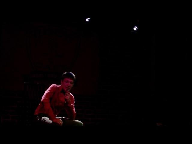 Изображение предпросмотра прочтения – КонстантинФоменко читает произведение «Необычайное приключение, бывшее сВладимиром Маяковским летом надаче» В.В.Маяковского