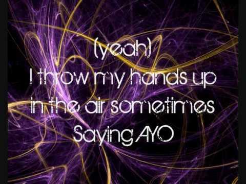 HQ: Dynamite Taio Cruz (lyrics!)