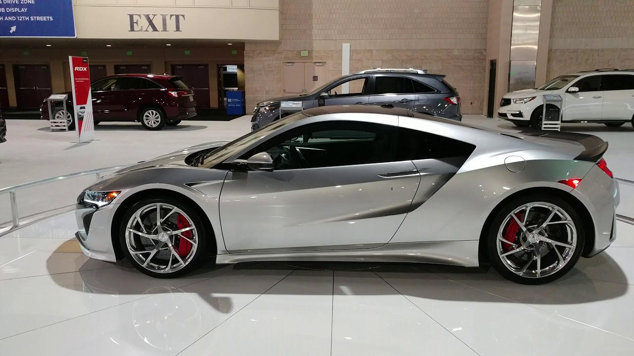 METALLIC SILVER ACURA NSX PHILADELPHIA CONVENTION CENTER CAR - Philadelphia convention center car show