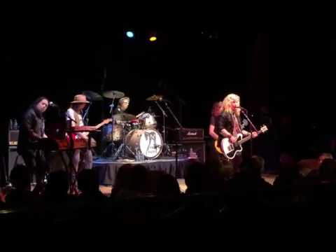 """The Babys Performing """"Give Me Your Love"""" At The Tangier on 9/30/18"""