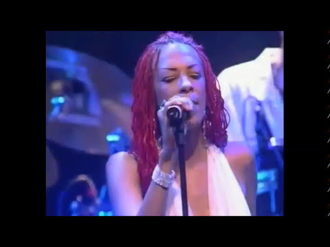 Chic e Nile Rodgers - At last I am free - (live) - (HQ)