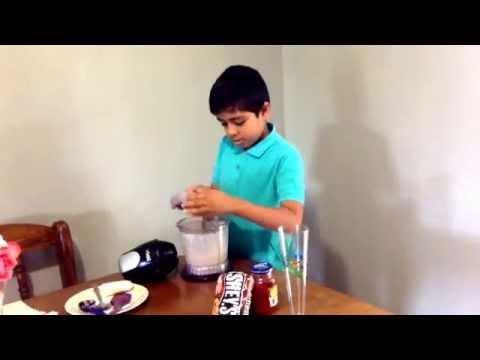 How to make Chocolate Banana Smoothie