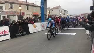 Tour de La Provence : Louis Louvet remporte le sprint dans l'étape Châteaurenard - Saintes-Maries